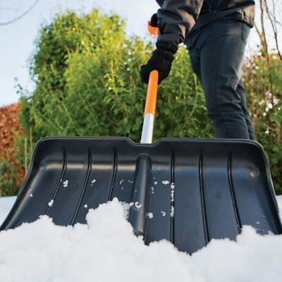 FISKARS SnowXpert Schneeschieber Schneeräumer Schneeschaufel 143001 Alukante NEU