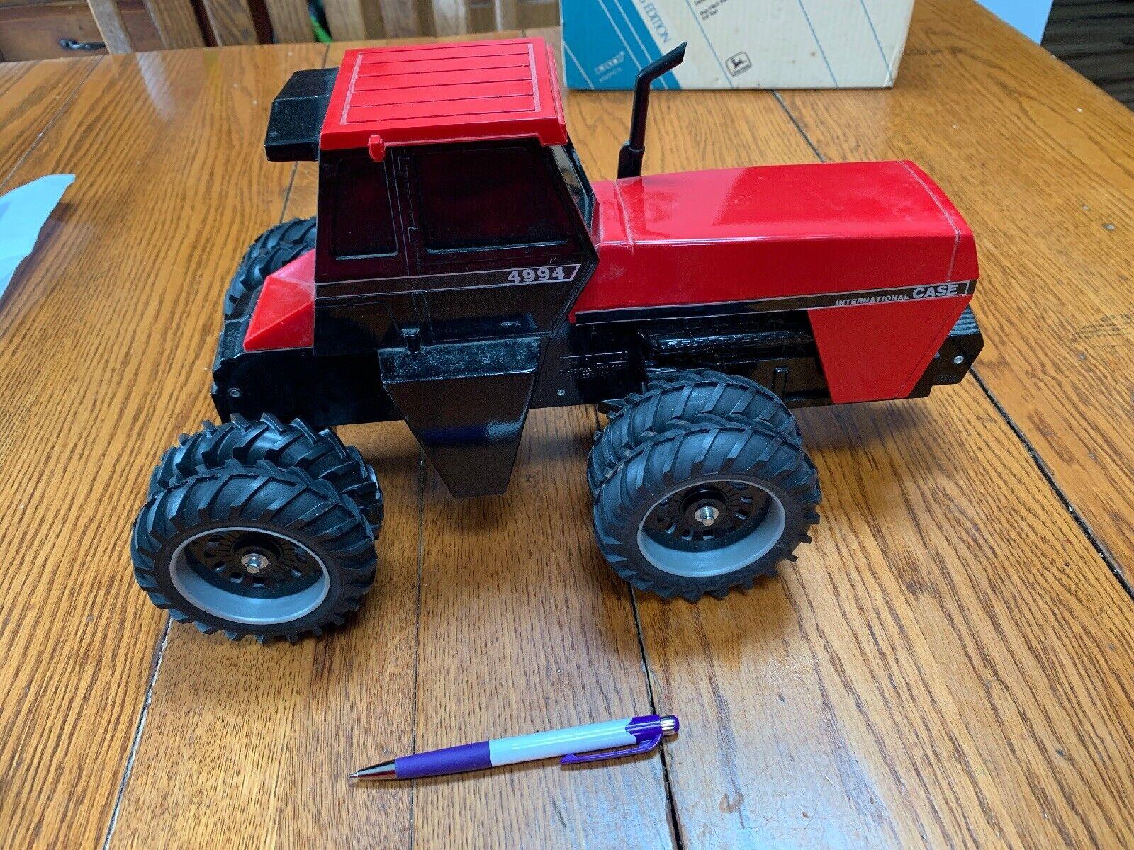 1 16 ERTL DIE-CAST 4994 CASE INTERNATIONAL 4-wheel Drive Tracteur années 1980