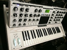 Moog Minimoog  Voyager Performer/ White Limited Edition , NEW in box //ARMENS.