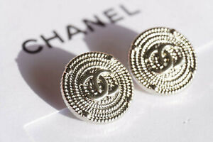 Authentic-Chanel-Buttons-2-pieces-silver-toned-14-mm-logo-cc