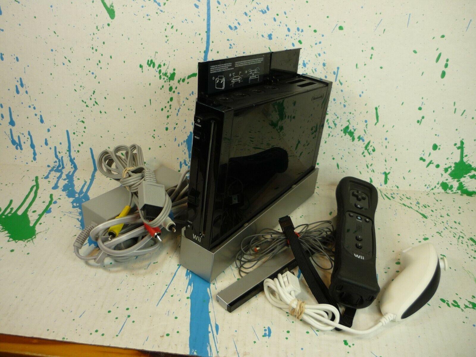 Nintendo Wii Console Bundle RVL-001-Black-Gamecube Compatible