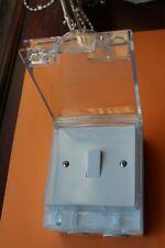 MK K36102 Anti-éclaboussures IP55 Extérieur 1 G 10 A 2 Way Interrupteur de lumière blanc Housse transparente