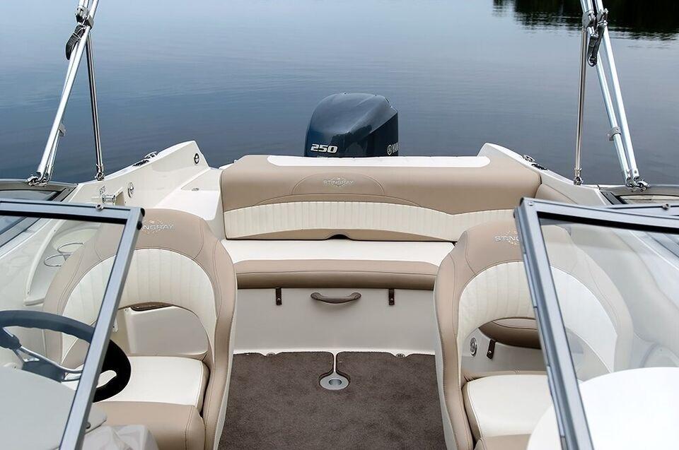 Stingray, Motorbåd, fod 24