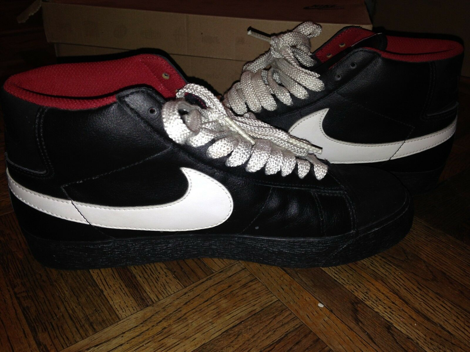 mens size 8.5 nike sb suede top