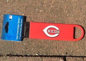 MLB-Cincinnati-Reds-Baseball-7-Steel-Vinyl-Coated-Bottle-Opener-NEW