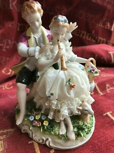 Dresden-Unter-Weiss-Bach-lace-figural-group