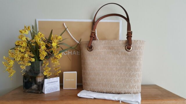 01b34bb7f1f4c0 Buy Michael Kors Jet Set Item Medium Tote Bag MK 38t2xttt2j Beige ...