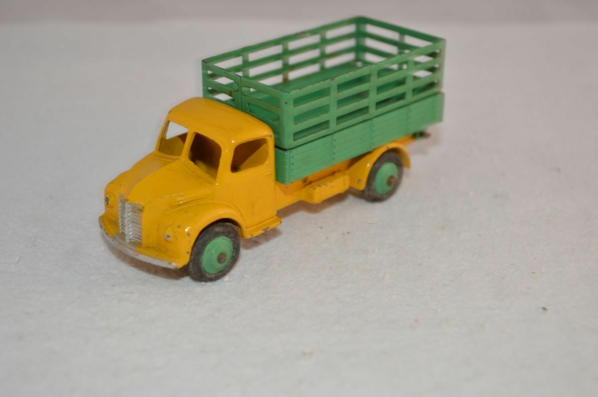 Dinky Toys 343 Dodge tipping wagon in excellent original condition SCARCE COLOR