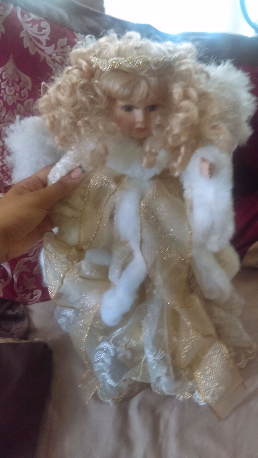 Oro SHINEY ANGEL PORCELAIN DOLL NEW GOOD CONDITION PRETTY