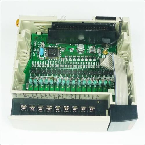 1Pcs New Omron Input Unit CQM1-ID212 CQM1ID212 ye