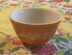 vintage butterfly gold Pyrex bowl 50 mL number 401
