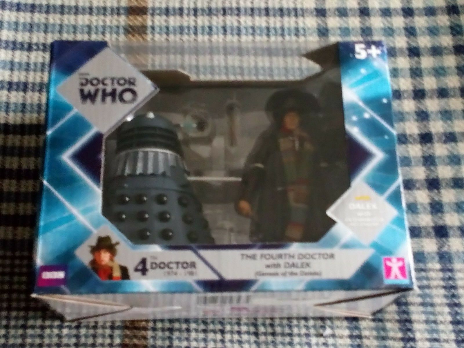 Doctor Who 4th Doctor with Dalek from Genesis of the Daleks  New Sealed