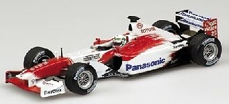 Toyota  tf102 A. McNish 2002 1 43 model Minichamps  juste pour toi