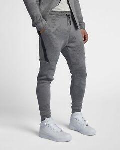 Mens NIKE Sportswear Tech Fleece Slim