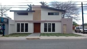 Amplia casa recién remodelada en renta