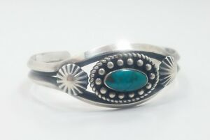 Vintage-Southwestern-Native-American-Sterling-Silver-925-Turquoise-Cuff-Bracelet