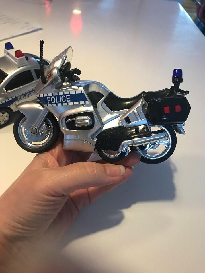 Politibil og Politimotorcykel , Med lys og lyd og nye