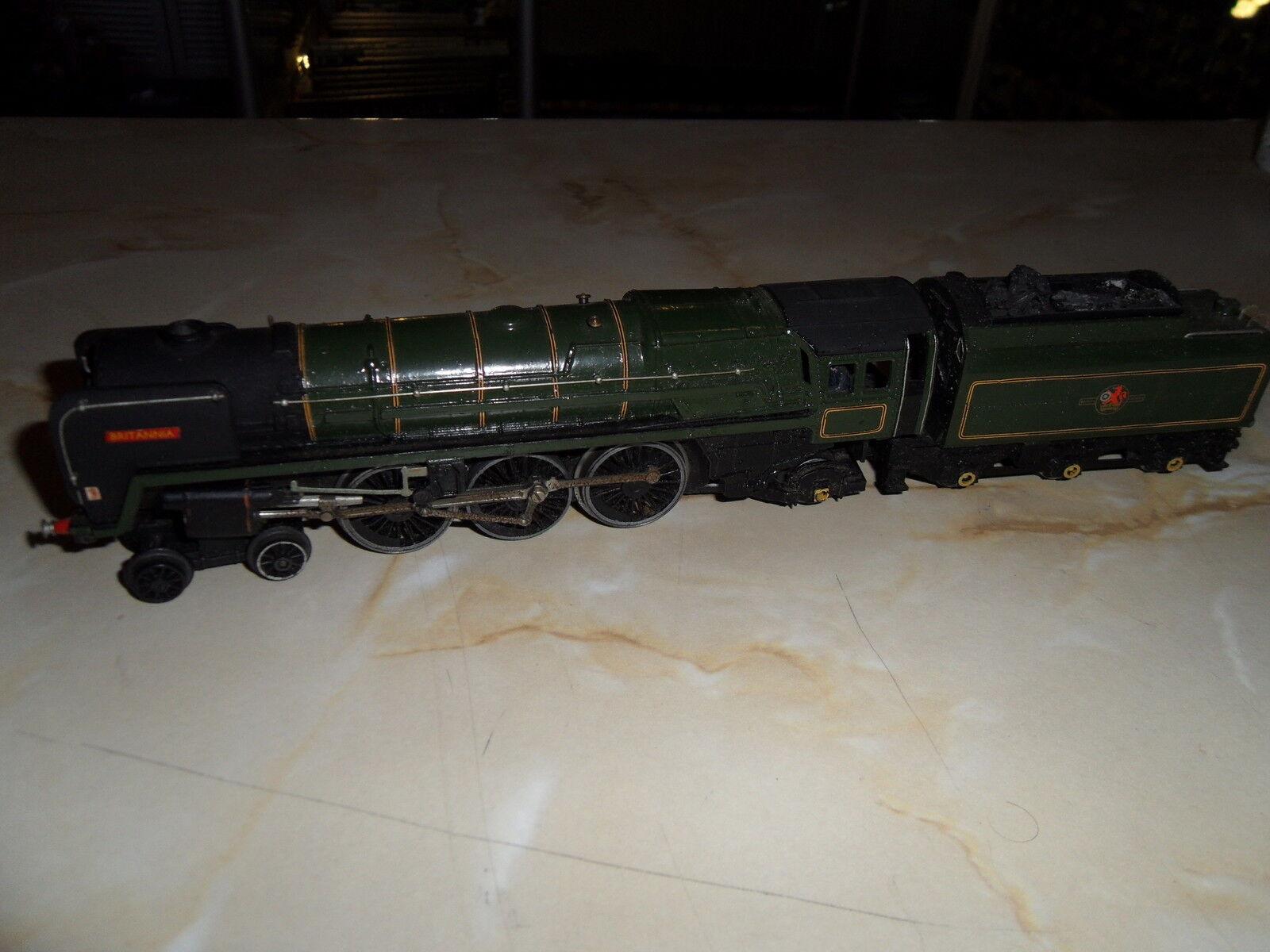 OO TRIANG R259 BR verde classe classe classe 7MT 70000 BRITANNIA  LOCO & TENDER, GOOD CONDITION 28adf8
