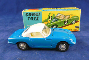 Corgi 319 Lotus Elan Coupé En Bleu Avec Un Châssis Rigide Amovible En Toit Blanc