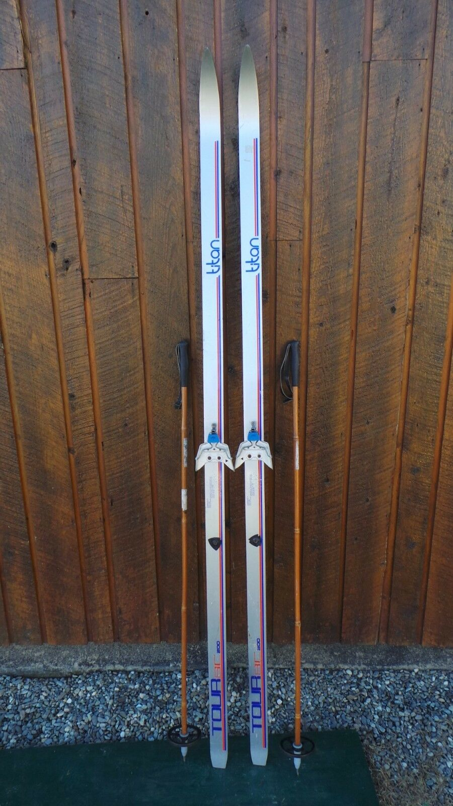 GREAT Ready to Use Cross Country 77  TITAN  200 cm Skis WAXLESS Base + Poles  simple and generous design