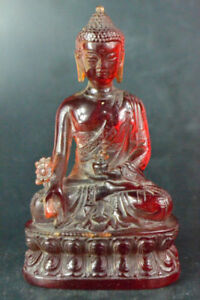 CHINESE-COLLECTIBLE-OLD-RESIN-AMBER-HANDWORK-CARVE-BUDDHA-SIT-LOTUS-STATUE