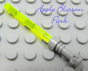 NEW Lego Star War NEON GREEN LIGHT SABER w//White Hilt Yellow Jedi Minifig Weapon