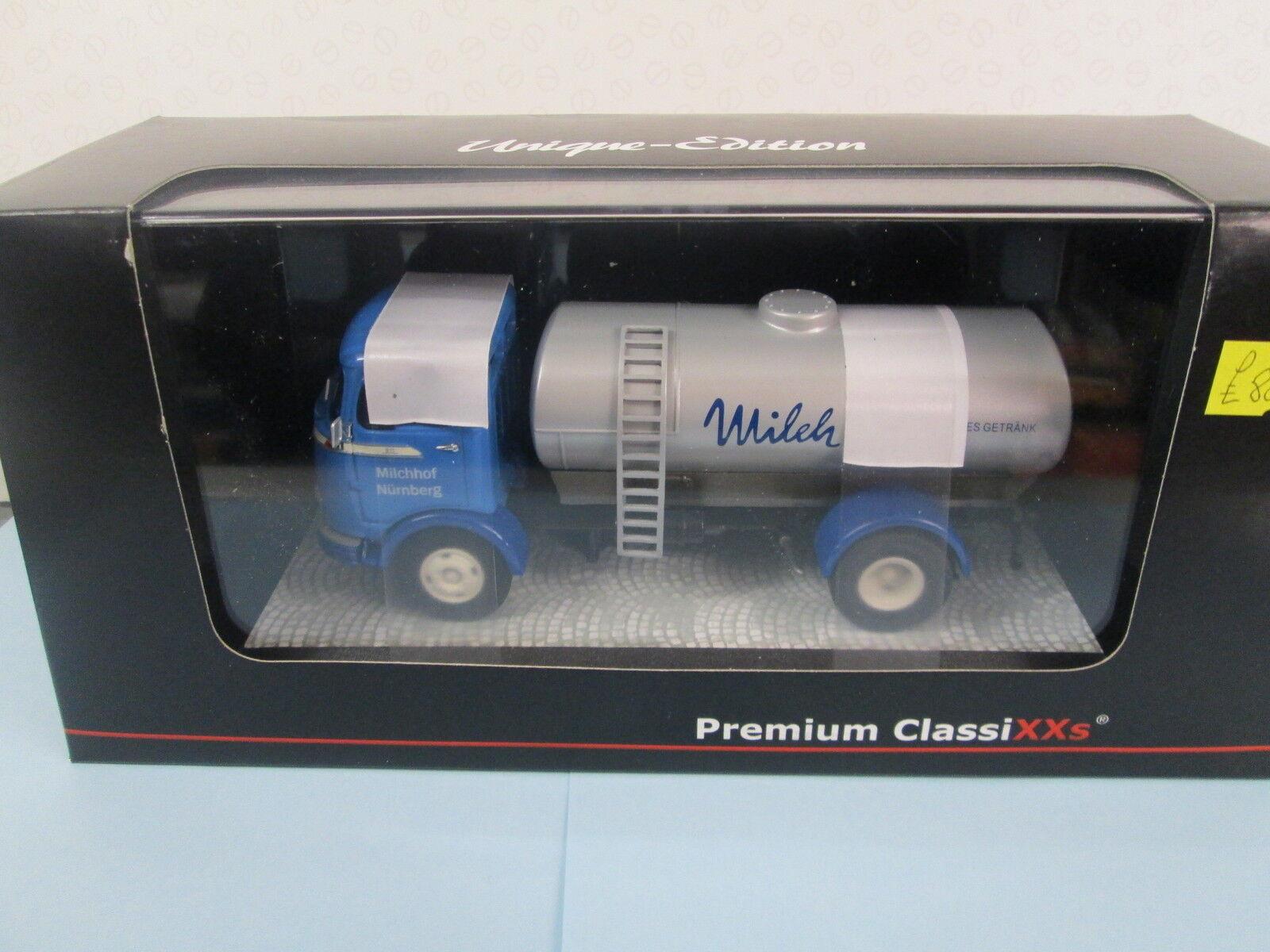 PREMIUM CLASSIXX. Mercedes Benz LP 911. bleu argent. Milk Tanker. 1 43.18225.