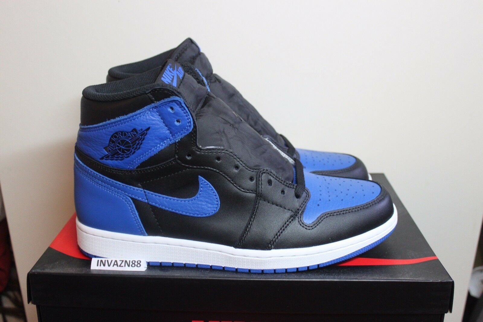 NIKE AIR RETRO JORDAN 1 HIGH OG ROYAL blueE BLACK WHITE 555088 007 1 SIZE 10-15