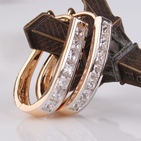 Notable 18k gold Platinum filled white sapphire Crystal hoop earring