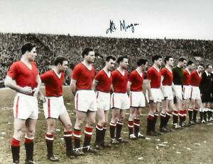 KENNY MORGANS SIGNED MANCHESTER UNITED 1958 LAST LINE UP 16x12 PHOTOGRAPH PROOF