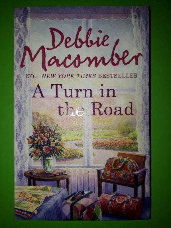 NEW BOOK - A Turn In The Road - Debbie Macomber - Blossom Street #8.