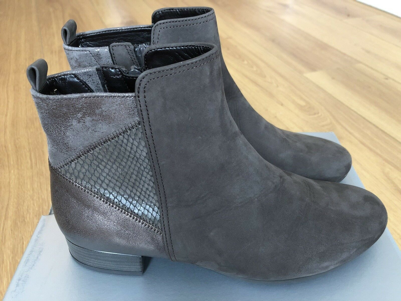 BRAND NEW GABOR ladies low heel ankle boots-grey metallic suede leather  37