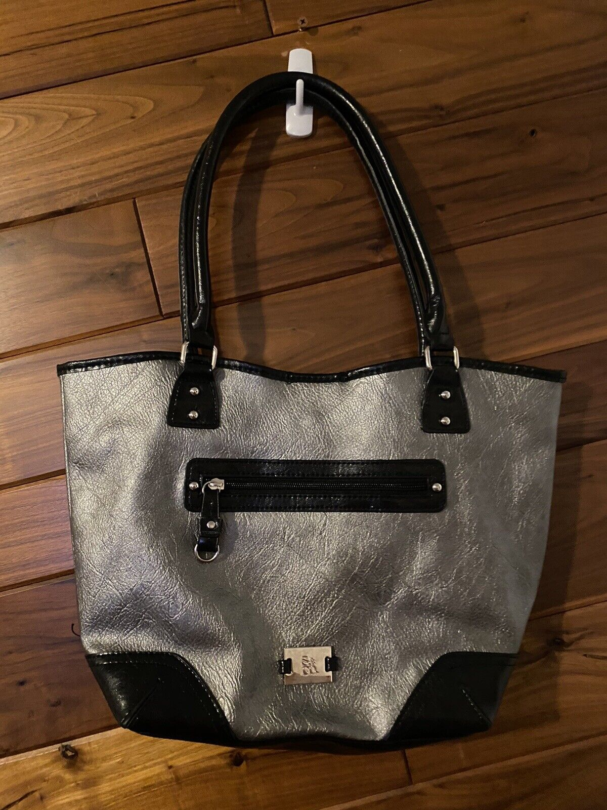 Style Co Silver And Black Purse