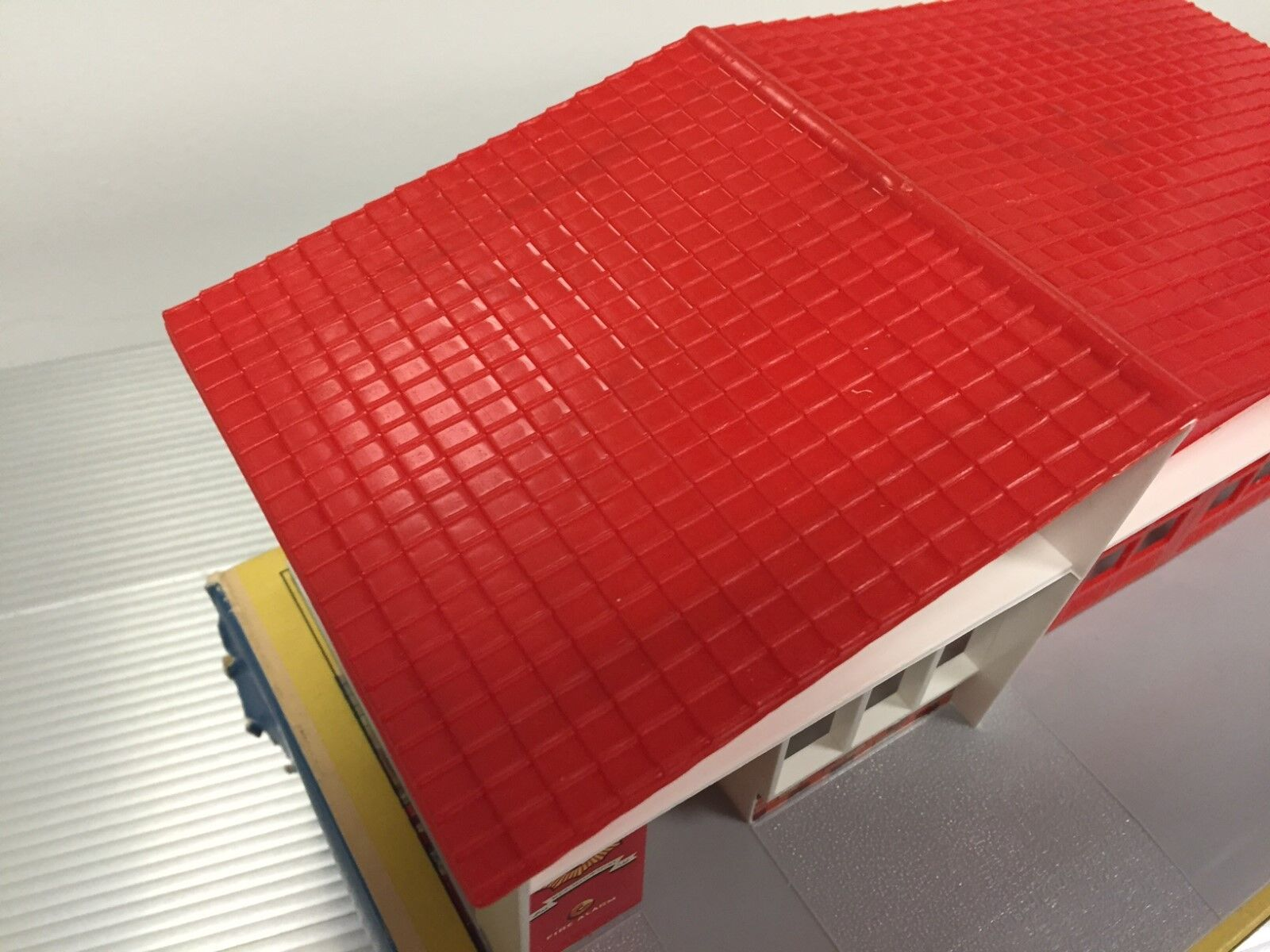 Vintage Matchbox   MIB   Fire Station Station Station Building   Red Roof   No. MF-1 4a919e