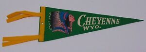 12-034-Old-Antique-Vintage-1950s-CHEYENNE-WYOMING-WY-INDIAN-CHIEF-GRAPHIC-PENNANT