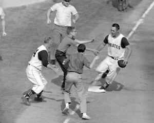 1960-Pittsburgh-Pirates-BILL-MAZEROSKI-Glossy-8x10-Photo-World-Series-Poster