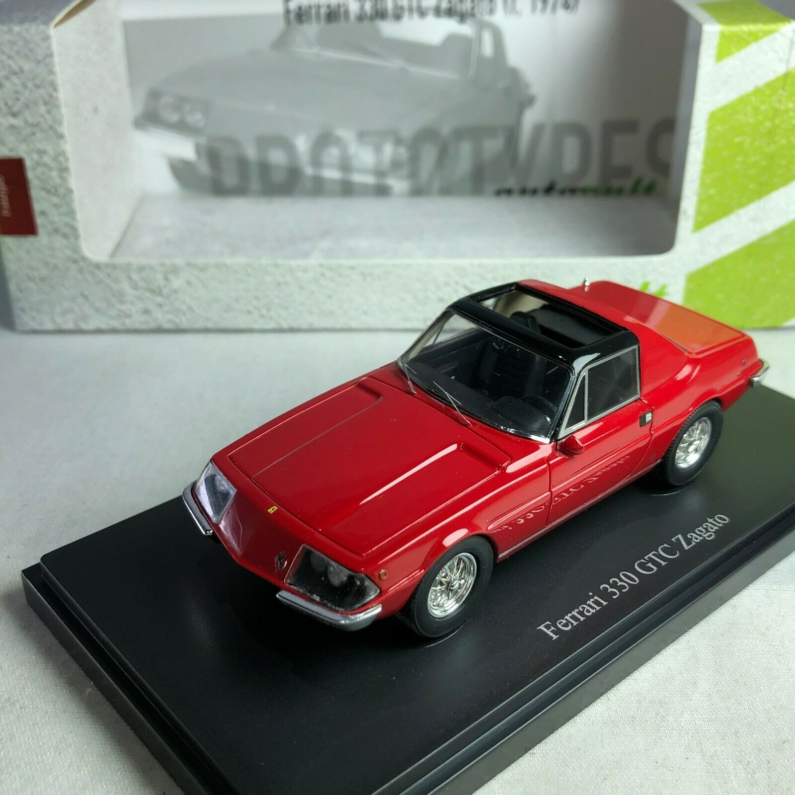 1 43 CarCult Ferrari 330 GTC Zagato rot  1967 ATC06032