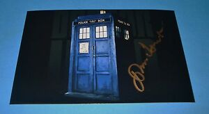 SIR-JOHN-HURT-GENUINE-AUTHENTIC-SIGNED-AUTOGRAPH-6x4-PHOTO-DOCTOR-DR-WHO-COA