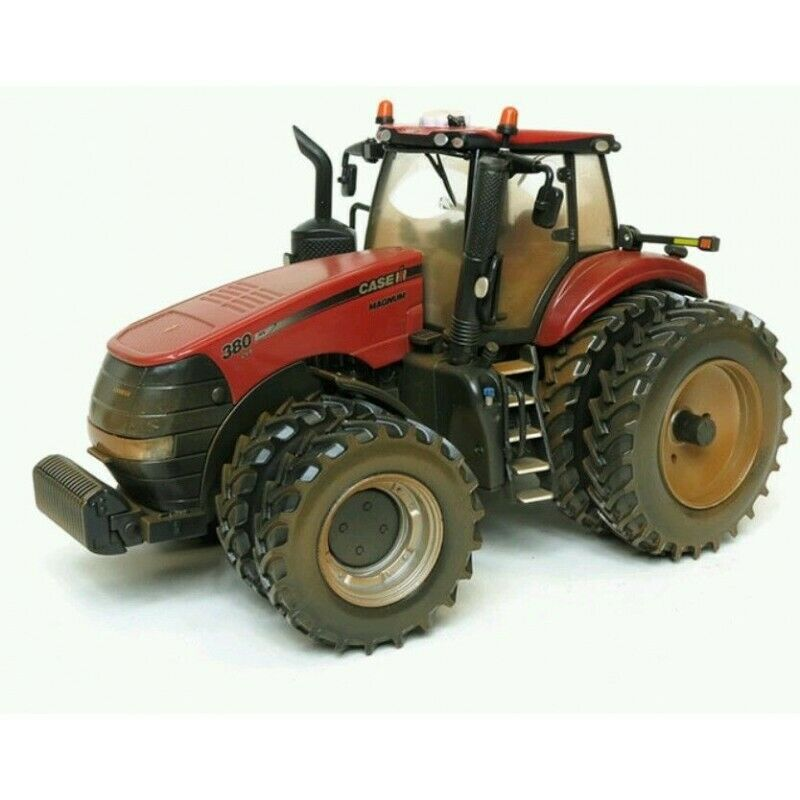 ERTL CASE IH MAGNUM 380 TRACTOR WITH DUALS - DUSTY 2014 FARM SHOW 1 32 SCALE