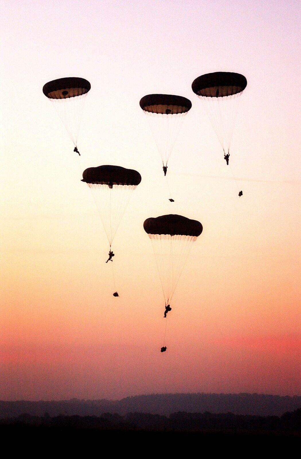 ARMY 16 Air Assault Brigade Parachute jump Photo Print