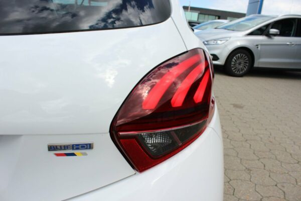 Peugeot 208 1,6 BlueHDi 100 Allure - billede 3