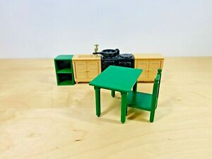 Sylvanian-Families-Vintage-Green-Kitchen-Set-Table-Chair-Tomy-Epoch-Toy
