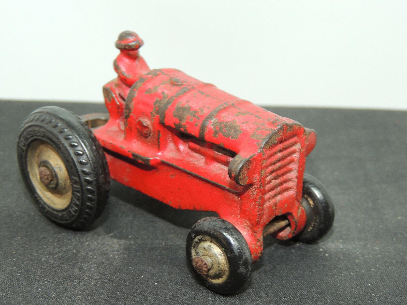 Arcade en Métal Tracteur avec ardace Ballon pneus  2660  (15049)  70% de réduction