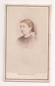 Vintage-CDV-Unknown-Woman-CH-Reutlinger-Photo-paris