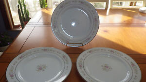 """Lenox Meadow Pinks Dinner Plates 3 10"""" Plates Rimmed Platinum Bouquet Collection"""