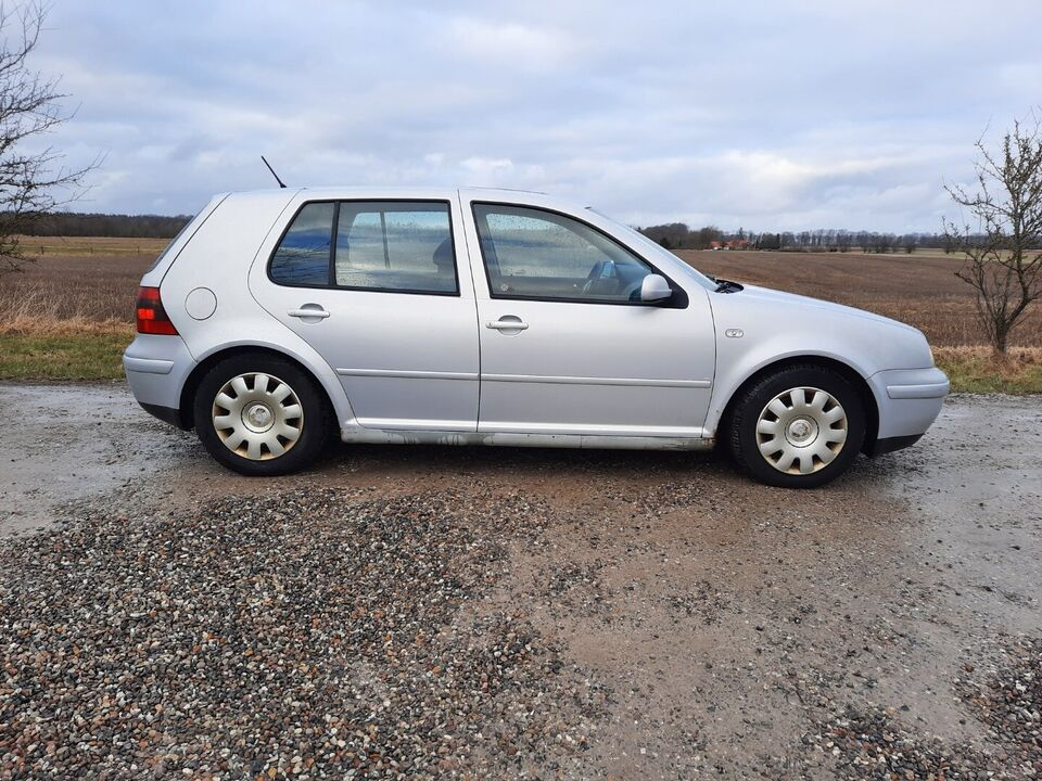 VW Golf IV 1,8 GTi Benzin modelår 1998 km 328000 ABS airbag