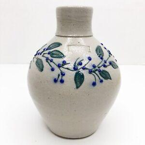 Vintage-Salmon-Falls-Stoneware-Salt-Glazed-Pottery-6-034-Jug-Vine-Berries-Signed