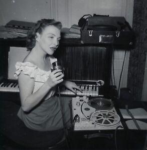 Line-Renaud-Microphone-1949