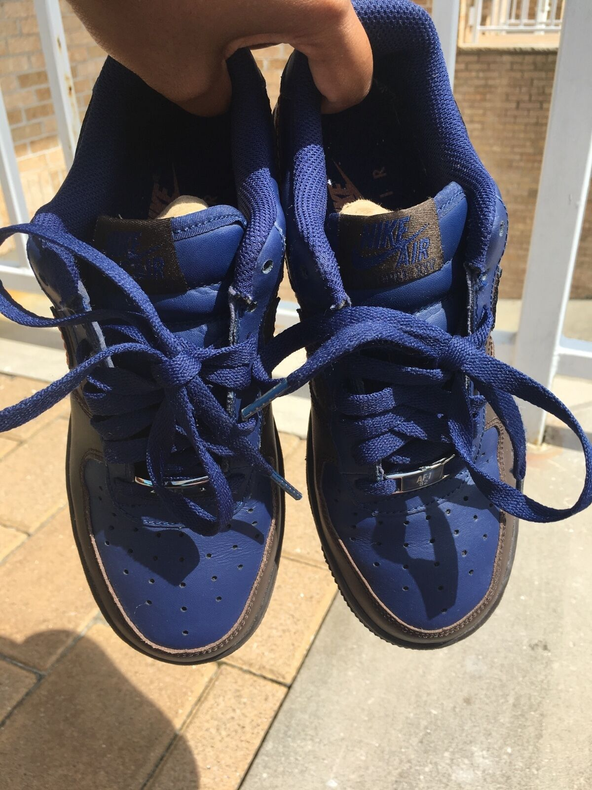 Air force ones big kids size 5. Good condition