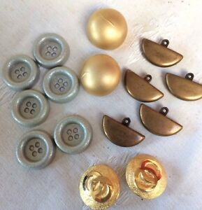 Vintage  Lot Of 15 Plastic And Metal Tone Buttons Biggest 27mm - <span itemprop=availableAtOrFrom>Newark, Nottinghamshire, United Kingdom</span> - Vintage  Lot Of 15 Plastic And Metal Tone Buttons Biggest 27mm - Newark, Nottinghamshire, United Kingdom